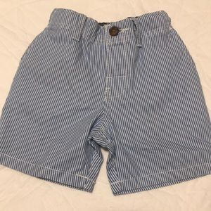 Carter's 18m shorts